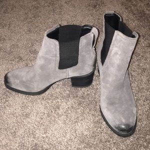 f0966f15456463 Sam Edelman grey suede ankle boots size 7